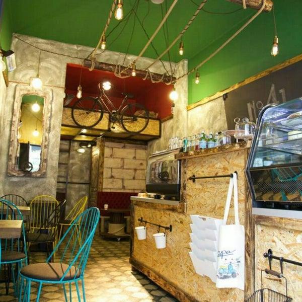 Foto tirada no(a) Deal Coffee Ekspress por Zwieback em 3/26/2015