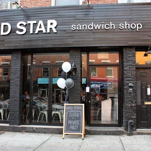 12/16/2014にRed Star Sandwich ShopがRed Star Sandwich Shopで撮った写真