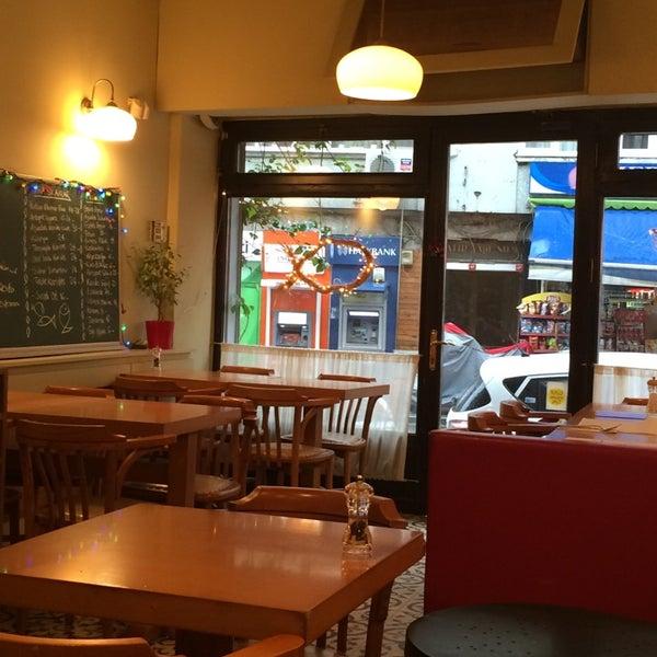 Foto tomada en Sıdıka Meze Restoranı por Meltem O. el 12/12/2014