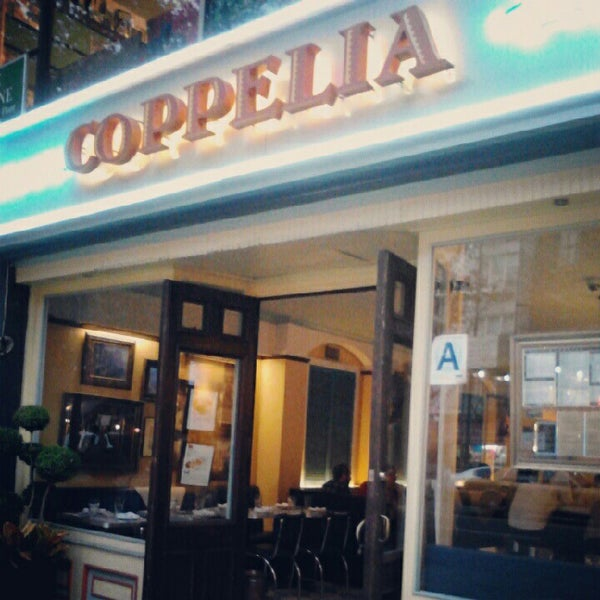 Photo prise au Coppelia par Y N. le9/26/2012