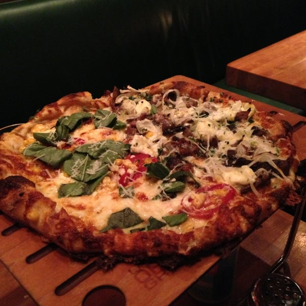 4/9/2013にFrankがLa Grande Orange Grocery & Pizzeriaで撮った写真
