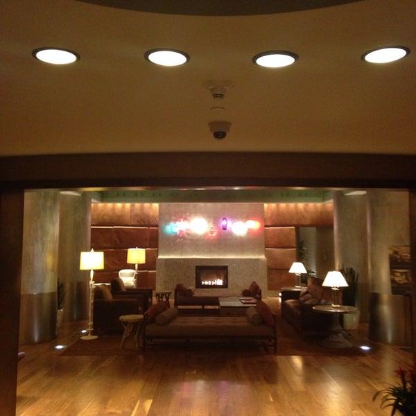 รูปภาพถ่ายที่ Magnolia Hotel โดย Frank เมื่อ 8/27/2014