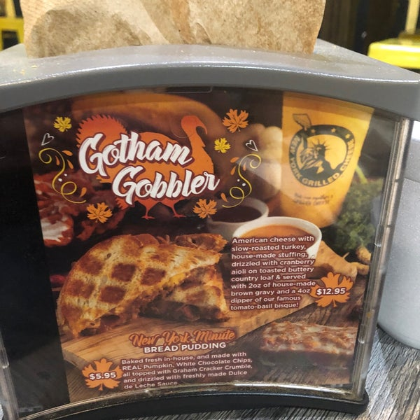 Снимок сделан в New York Grilled Cheese Co. пользователем Frank 10/18/2019