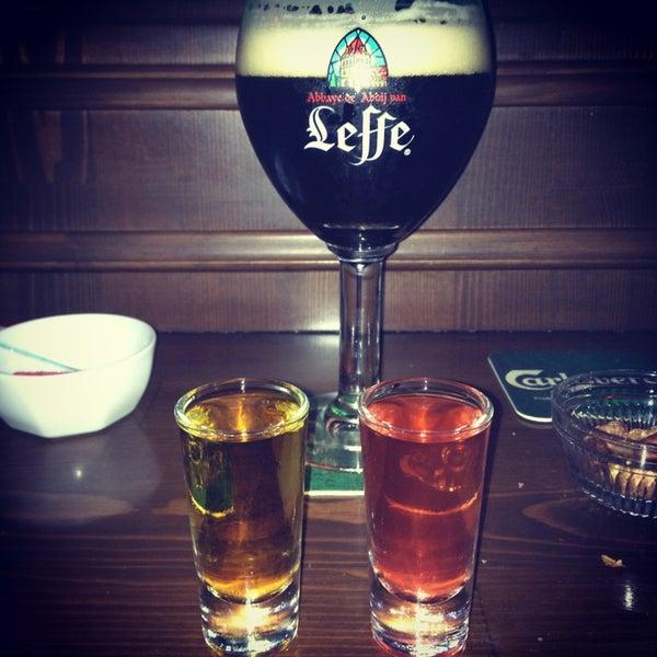 2/9/2013 tarihinde Gokce D.ziyaretçi tarafından Drunken Duck'de çekilen fotoğraf