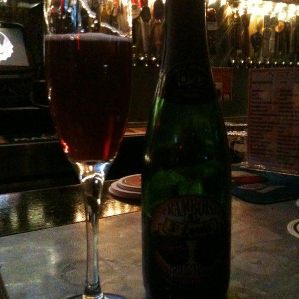 Photo prise au Buddha Beer Bar par Sophy B. le2/2/2013