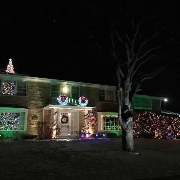 Sauganash holiday lights - Sauganash Holiday Lights - Public Art In Lincolnwood