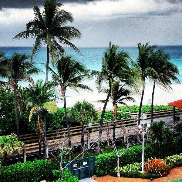 Photo prise au Fontainebleau Miami Beach par Megan W. le5/14/2013