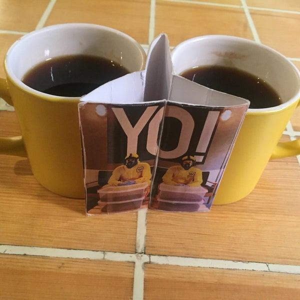 Снимок сделан в Walter's Coffee Roastery пользователем Aysegul Gozde A. 10/4/2015