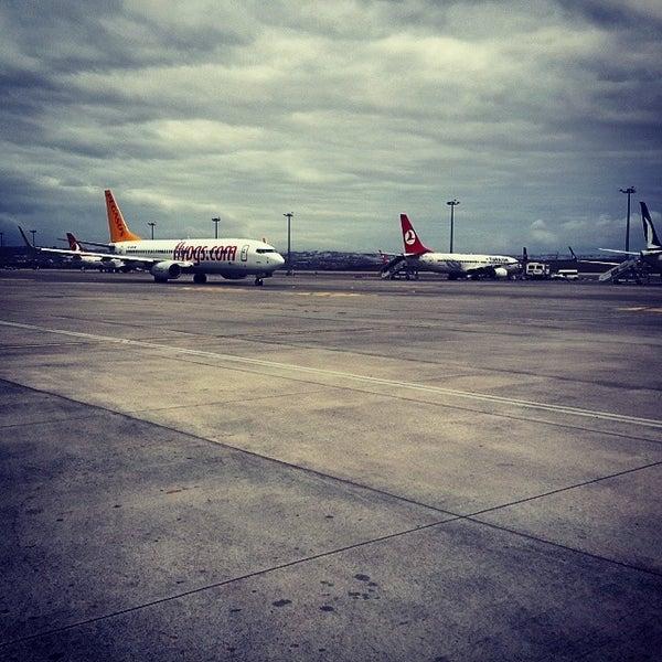Снимок сделан в Аэропорт Стамбул им. Сабихи Гёкчен (SAW) пользователем Ahmet H. T. 11/16/2013