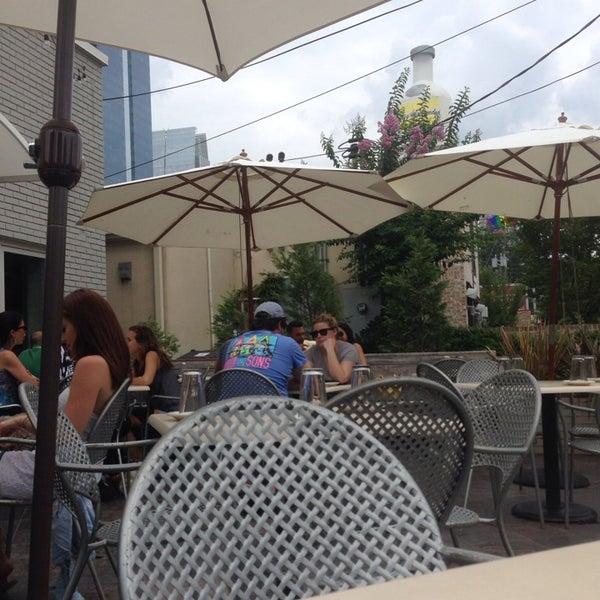 Das Foto wurde bei Campagnolo Restaurant + Bar von Shannon F. am 7/27/2013 aufgenommen