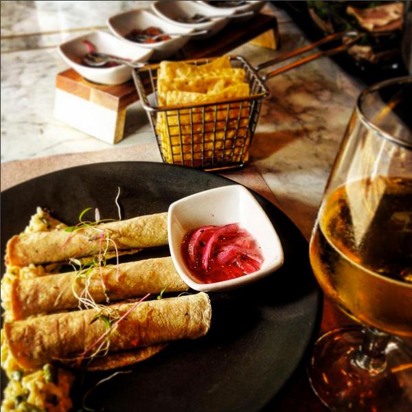 Un lugar muy recomendable, los tacos de cochinita son mis favoritos. La atención es buena, considero que es un lugar agradable
