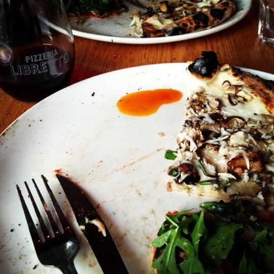 Photo prise au Pizzeria Libretto par Marion H. le6/15/2013