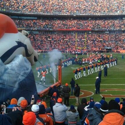 Foto diambil di Broncos Stadium at Mile High oleh Bryan B. pada 1/13/2013