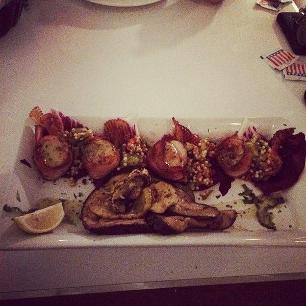 Photo prise au Bimini Boatyard Bar & Grill par Jose S. le11/11/2014