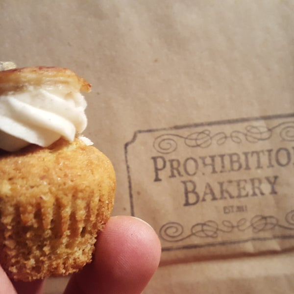 Very nice looking and awesome tasting booze-infused cupcakes for professionals. Loved it!