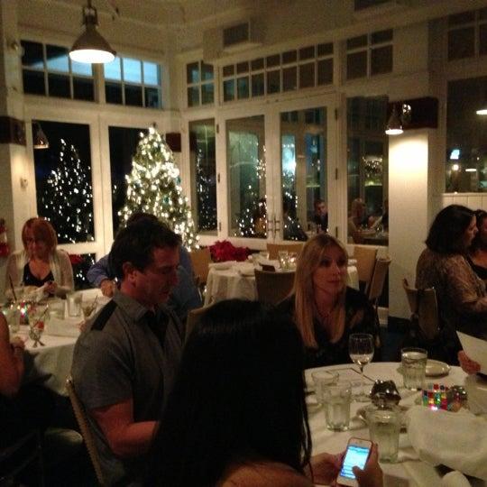 Photo prise au Bimini Boatyard Bar & Grill par Dorian W. le12/21/2012