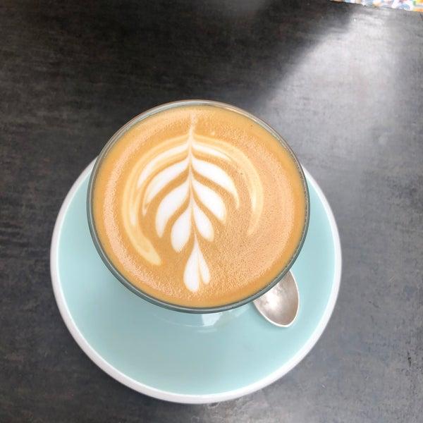 11/25/2019에 Samuel G.님이 Cabrito Coffee Traders에서 찍은 사진