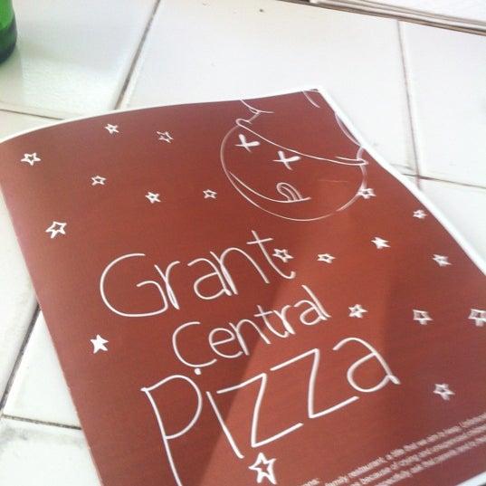 10/19/2012にElle M.がGrant Central Pizza & Pastaで撮った写真
