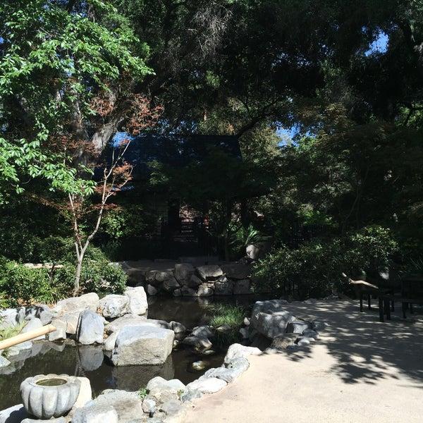 4/30/2015 tarihinde Cristina A.ziyaretçi tarafından Descanso Gardens'de çekilen fotoğraf