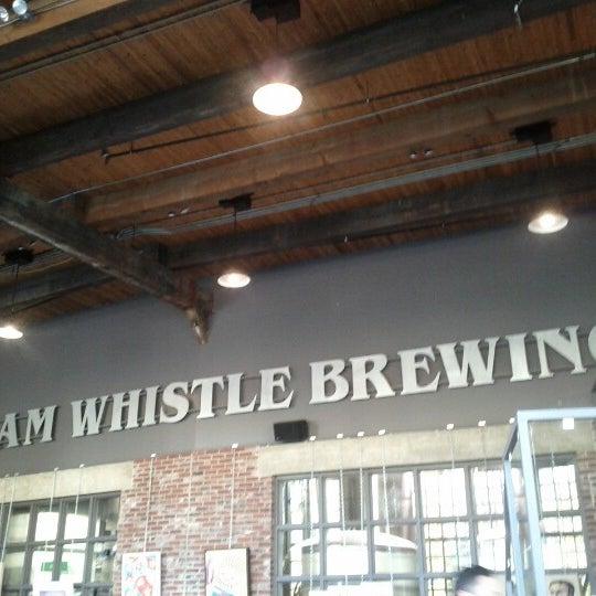 10/22/2012 tarihinde Franziska R.ziyaretçi tarafından Steam Whistle Brewing'de çekilen fotoğraf