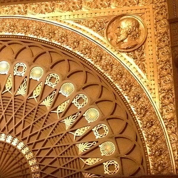 12/8/2012 tarihinde nikhil t.ziyaretçi tarafından Auditorium Theatre'de çekilen fotoğraf