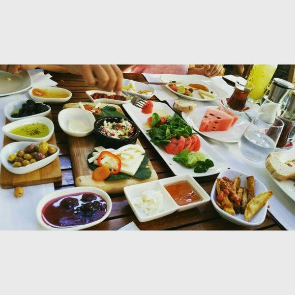 8/18/2015にBurak A.がLimoon Café & Restaurantで撮った写真