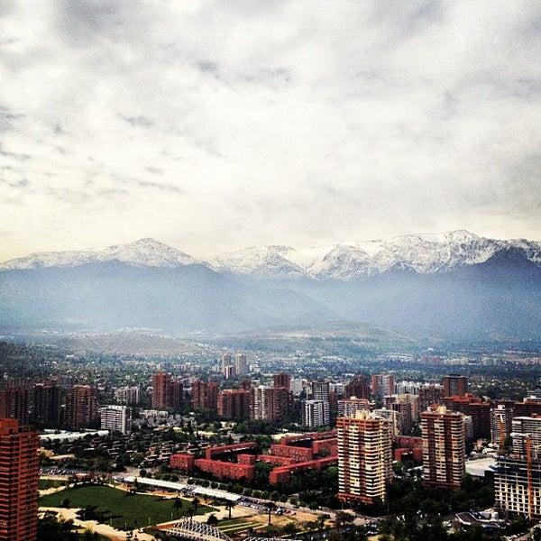 รูปภาพถ่ายที่ Courtyard by Marriott Santiago Las Condes โดย Alejandro J. เมื่อ 11/8/2012