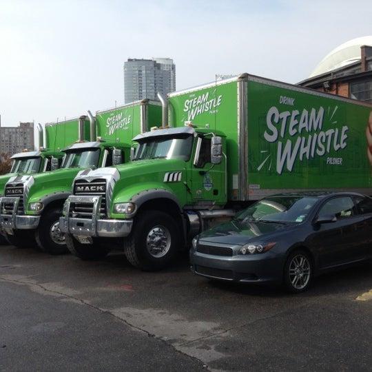 10/14/2012 tarihinde Dave K.ziyaretçi tarafından Steam Whistle Brewing'de çekilen fotoğraf