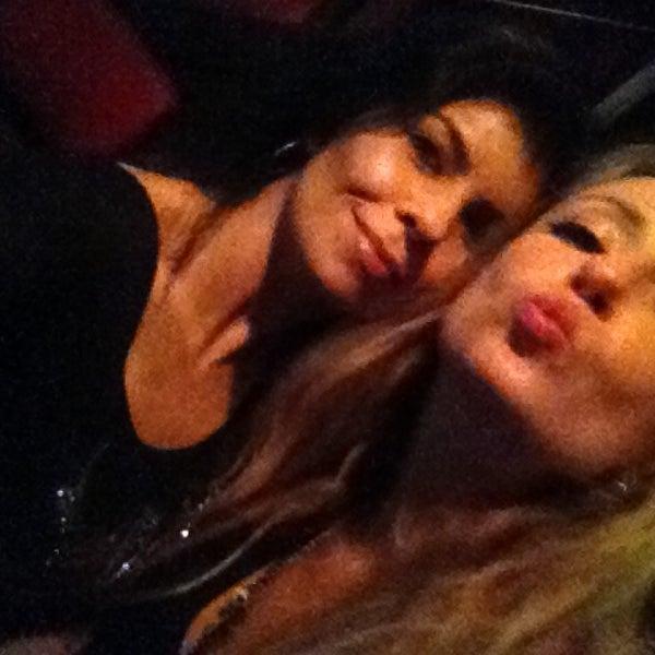 Foto tomada en Ozzie Pub por Patricia V. el 1/27/2013