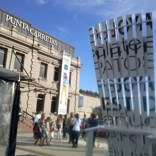 Foto tirada no(a) Punta Carretas Shopping por Sol C. em 12/27/2012