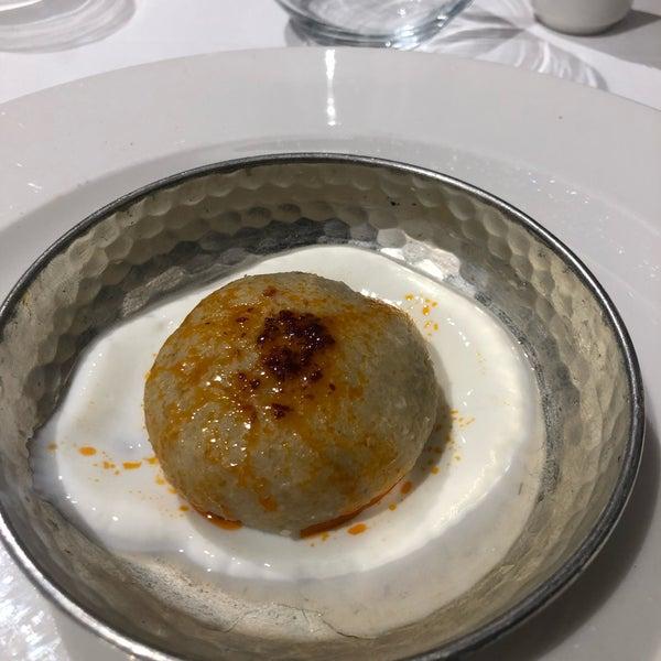 Foto tirada no(a) Seraf Restaurant por Murat K. em 4/5/2019