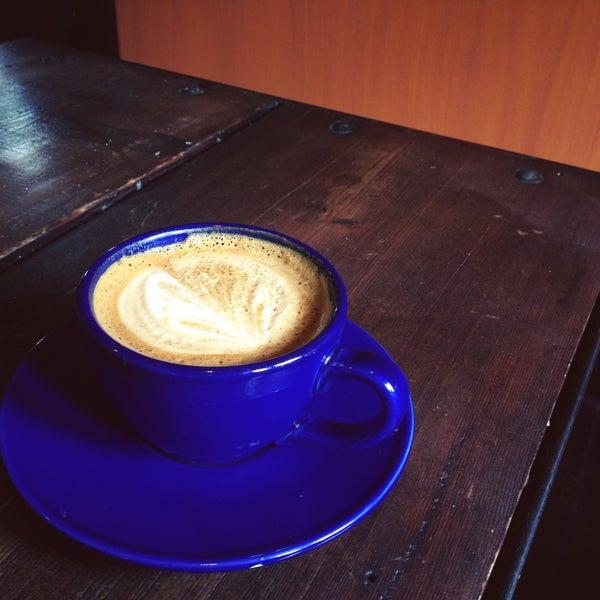 5/5/2013にKaren L.がFrogg Coffee Bar and Creperieで撮った写真