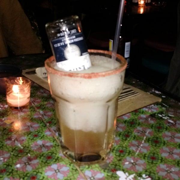Hay coctelitos fresones y otros más bien de trailero, como el que me tomé (se llama Margarita Juárez, me parece). Sí nos gustó.