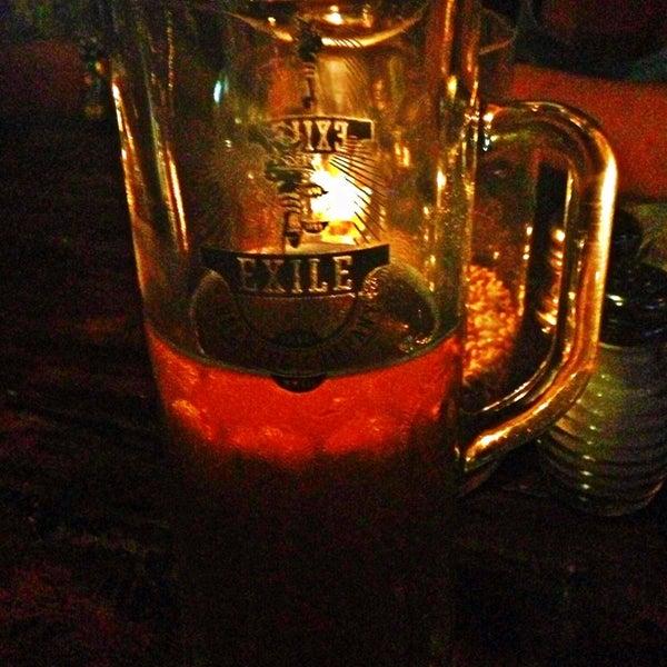 Das Foto wurde bei Exile Brewing Co. von Liz S. am 6/30/2013 aufgenommen