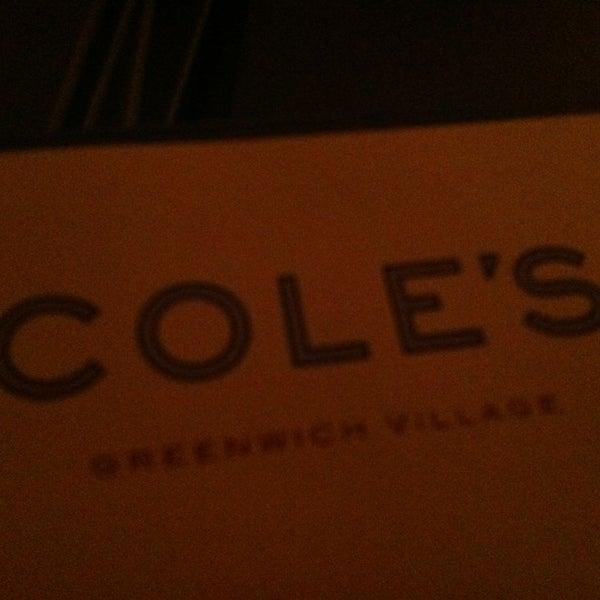 Photo prise au Cole's Greenwich Village par Angie N. le3/4/2013