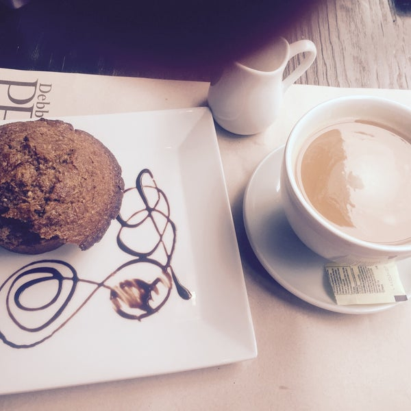 Foto tomada en Peponne Healthy Food & Bakery por Isa-K M. el 6/18/2015