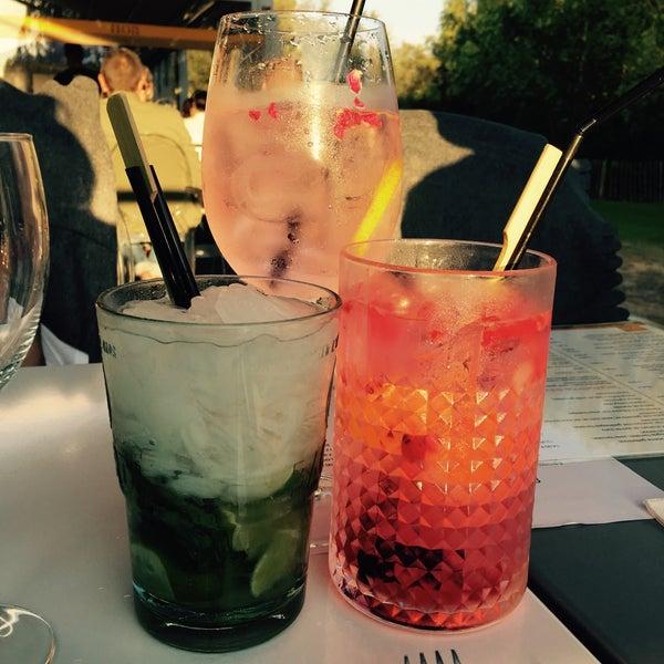 Photo prise au Noa Resto-Lounge-Bar par Noëmi 🎀 le9/17/2016