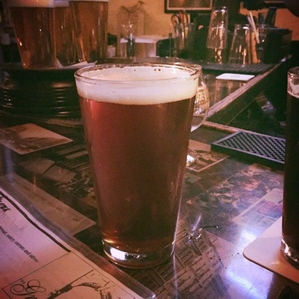 10/24/2014にJollity M.がThe Grafton Irish Pub & Grillで撮った写真