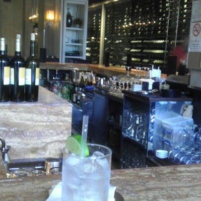 Снимок сделан в SOUTHGATE Bar & Restaurant пользователем Val J. 11/19/2012