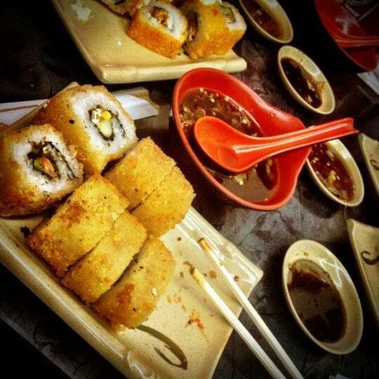 Foto scattata a Sushi Washoku da Pily S. il 12/27/2014