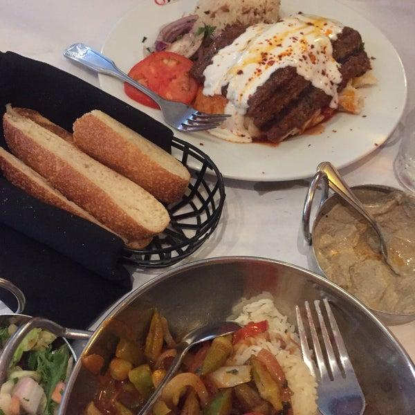 The hummus is good as well as the lentil soup. The  okra a good choice for vegetarians مطعم تركي الخبز لذيذ و الإسكندر كباب جيد لكن دسم. شوربة العدس جيده