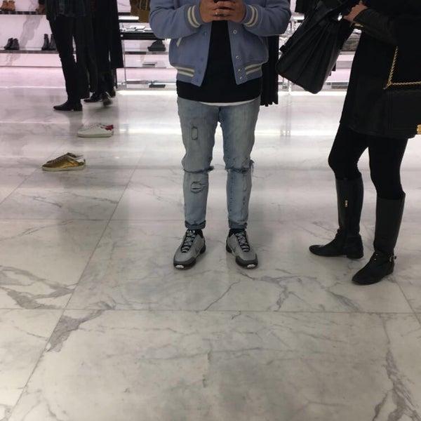 3/11/2017にNino B.がSaint Laurentで撮った写真