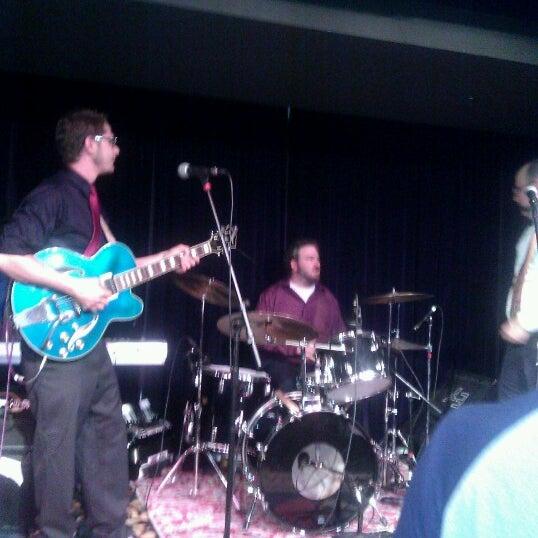 Foto diambil di Amsterdam Bar & Hall oleh Trisse M. pada 8/10/2012