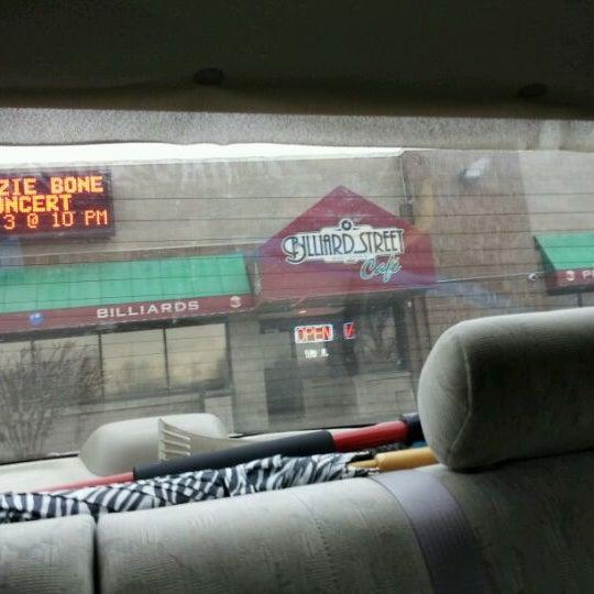 2/26/2012에 Rosanna V.님이 Two Stooges Sports Bar & Grill에서 찍은 사진
