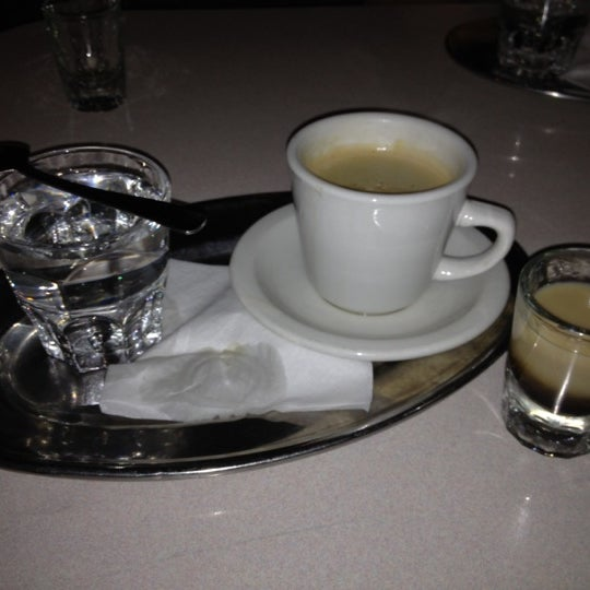 Foto diambil di Subeez Cafe Restaurant Bar oleh Keeli H. pada 7/3/2012