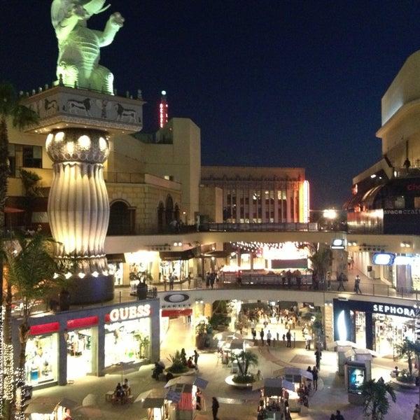 รูปภาพถ่ายที่ Hollywood & Highland Center โดย Liz เมื่อ 3/25/2013