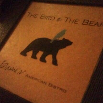 Photo prise au The Bird and the Bear par kate g. le10/17/2012