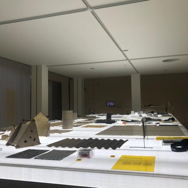 รูปภาพถ่ายที่ Design Museum Gent โดย Dan M. เมื่อ 1/2/2019