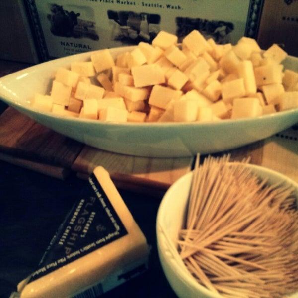 Foto tomada en Beecher's Handmade Cheese por Maksim A. el 3/31/2013