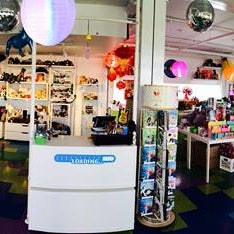 Photo prise au Kappa Toys par Lizzy N. le11/20/2014